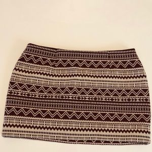 Andy & Lucy Paris size Large lined skirt